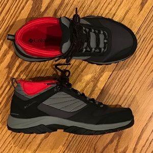 NWOT Columbia Trail Shoe, Black